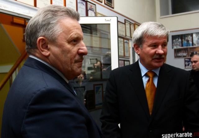 Губернатор Шпорт и Шихан Пукас