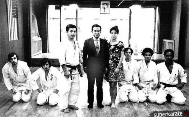 Тадаши Накамура в доджо в Бруклинской Академии Музыки