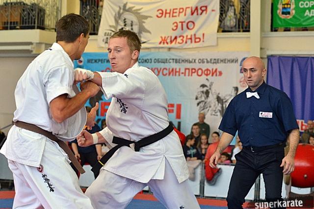 Никита Бубьяков в атаке