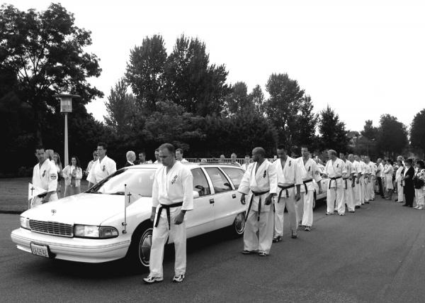 На похороны Питера Смита съехались тысячи каратистов со всей Европы