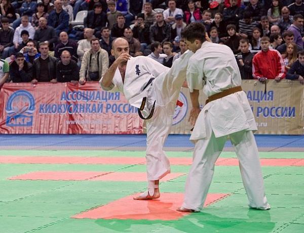 Арсен Хачатрян в атаке