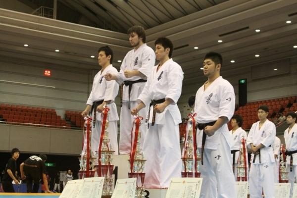 Николеишвили Тариел на первой ступени пьедестала чемпионата Японии