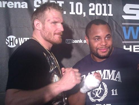 Определена дата финала Strikeforce Heavyweight GP