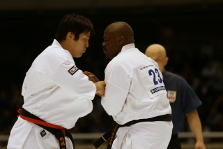 Thamsanqa Mngomezulu (South Africa) vs. Takuya Takeoka (Japan). 8 бой (023-024)
