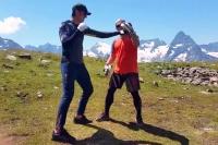 WFKO. Отработка одиночных ударов на лапах от шихана Алексея Горохова. Урок 15